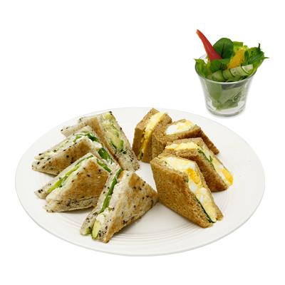 アボカドシュリンプと濃厚たまごのサンドイッチ(サラダ付)
