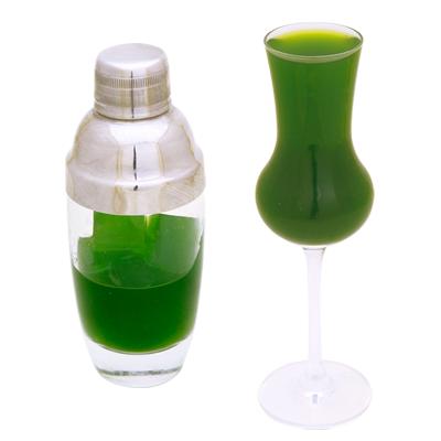 緑のコールドプレスジュース (小松菜・苺・パイン・りんごミックスの酵素ドリンク)